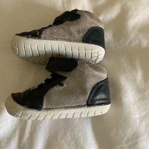EUC Old Soles boy prewalker shoes size 4 (9-12 mo)